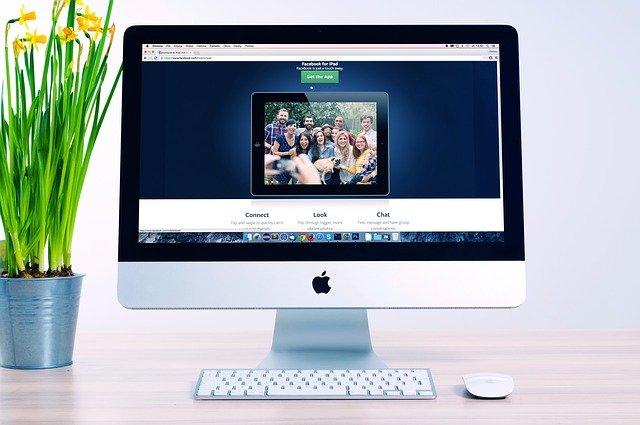 foto na monitoru