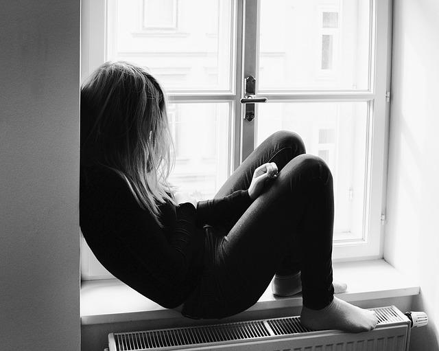 deprese v okně
