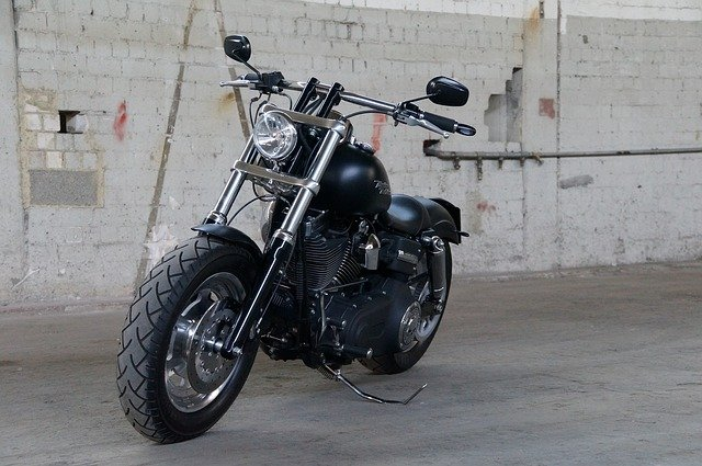 Motocyklové řetězy se řadí k extrémně namáhaným součástkám