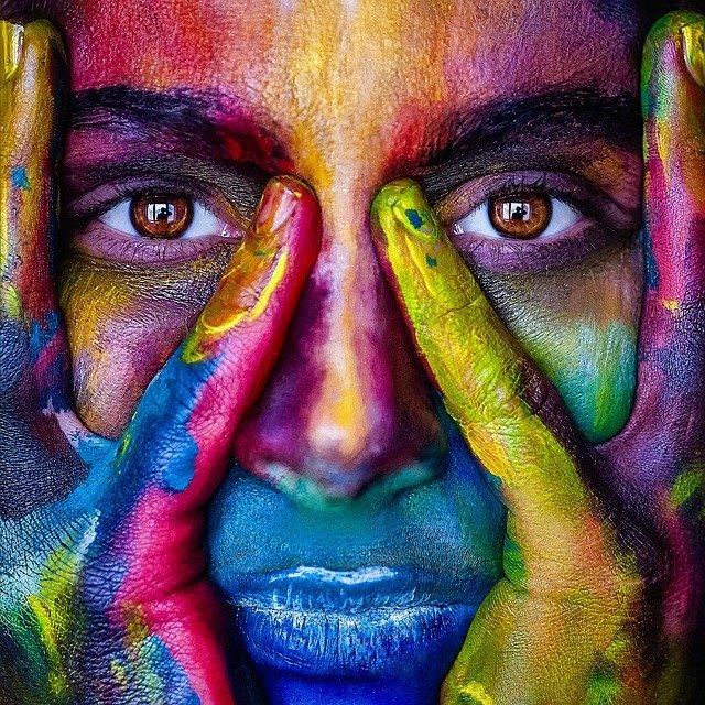 obličej od barev