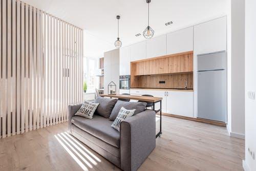 Jak zařídit malý byt a nezbláznit se?Udělejte si plán a vyhněte se výrazným barvám!