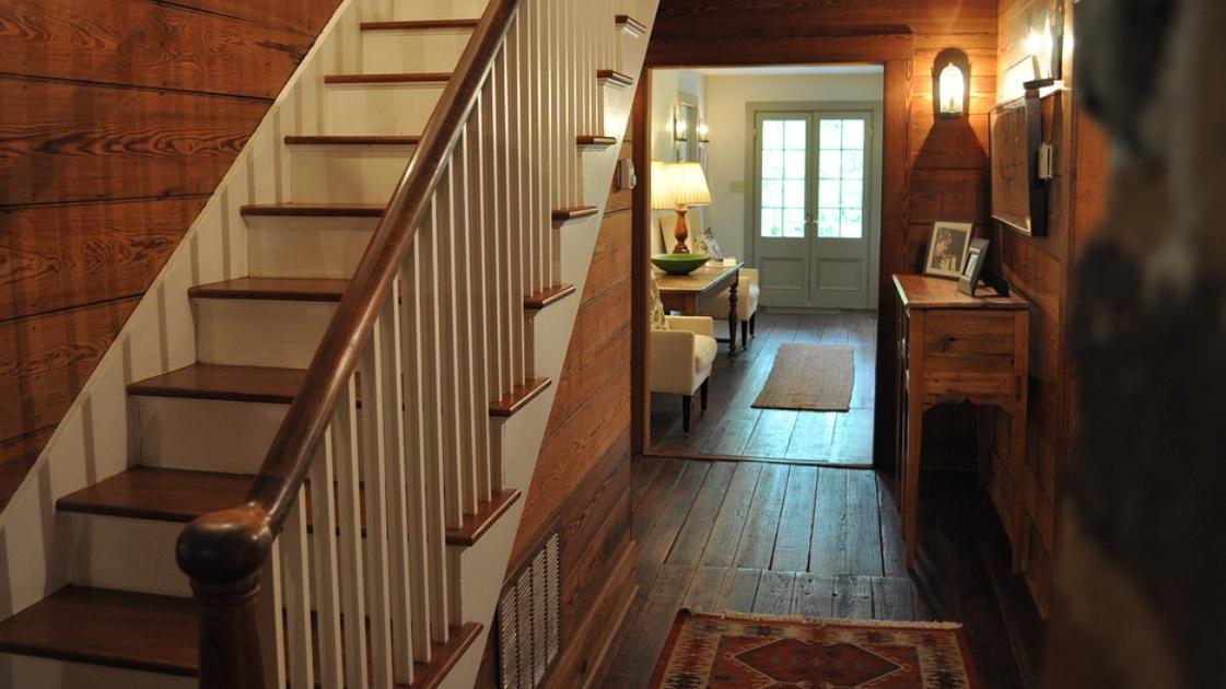 schody ze dřeva